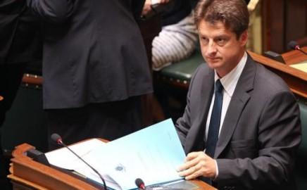 Olivier Chastel a reçu l'addendum au rapport du Comité de Monitoring